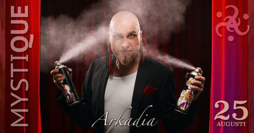 Arkadia sprayar rök i sitt ansikte och är cool